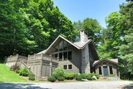 98 North Brookwood Rd South Londonderry VT, 05155