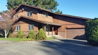 300 Vipond Crescent City CA, 95531