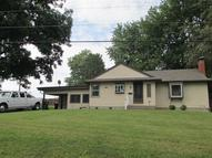 302 Hughes St New Athens IL, 62264