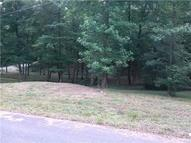 37 Forrest Xing Waverly TN, 37185
