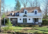 11 Old Colony Ln Great Neck NY, 11023