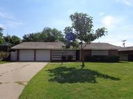 1006 Holliday Dr Plainview TX, 79072