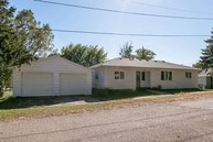 407 4th St Wellman IA, 52356