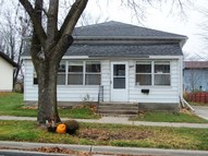 611 Mansion St Mauston WI, 53948