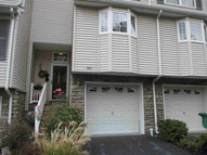 303 Pondview Loop 303 Wappingers Falls NY, 12590