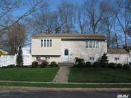 19 Phyllis Dr East Northport NY, 11731