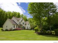 16 Millstream Court Pawling NY, 12564