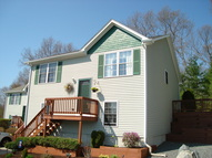 23 Fairway Circle Hope Valley RI, 02832