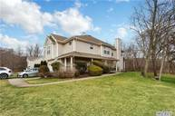 401 Willow Pond Dr Riverhead NY, 11901