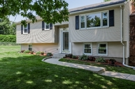 111 Pineview Circle Agawam MA, 01001