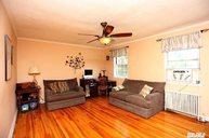 135-18 77th Ave 8f Flushing NY, 11367