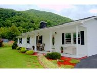 3420 Gap Creek Road Hampton TN, 37658
