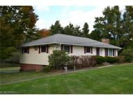 1369 Bell Rd Chagrin Falls OH, 44022