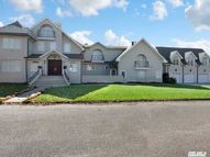 35 S Bay Ave Brightwaters NY, 11718