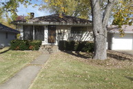 107 Dickinson Anna IL, 62906