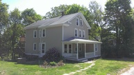 40 Highview Av Hope Valley RI, 02832