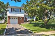 174 Radcliff Dr East Norwich NY, 11732