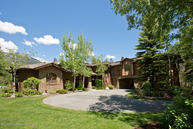 3710 N Lake Creek Dr Wilson WY, 83014