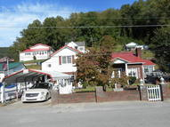 279 Railroad Ave. Logan WV, 25601