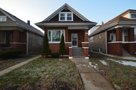 4925 West Oakdale Avenue Chicago IL, 60641