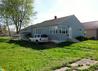 108 E 4th St West Frankfort IL, 62896