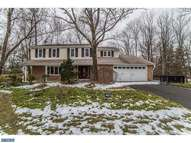 236 Woodstream Dr North Wales PA, 19454