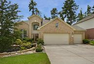 19 Spindle Tree Cir The Woodlands TX, 77382