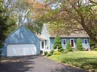 8 Parkwood Drive Pawcatuck CT, 06379