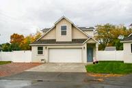 1316 N 37th Ct Pasco WA, 99301