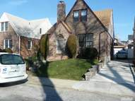 166-35 25th Ave 2fl Whitestone NY, 11357