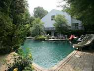 31 Windemere Way Woodbury NY, 11797