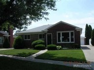 31039 W. Angeline Ct. Saint Clair Shores MI, 48082