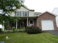 2041 Valley View Dr Quakertown PA, 18951