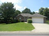 130 Elmwood Ct Forsyth MO, 65653