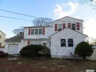 1415 6th St West Babylon NY, 11704