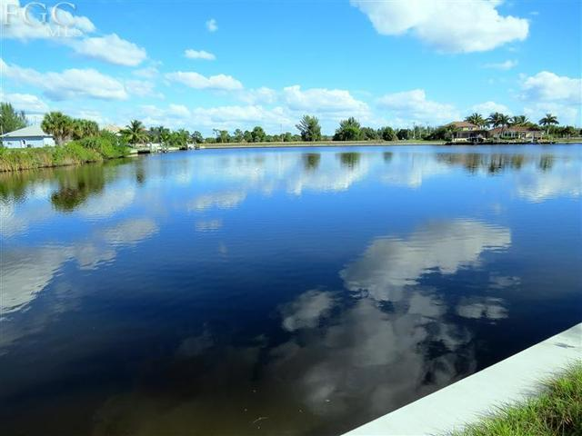 Home for Sale:501 Sw 33rd Ave, Cape Coral FL, 33991