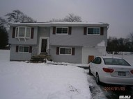 7 Walnut St Wyandanch NY, 11798