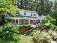 354 Lattingtown Rd Locust Valley NY, 11560