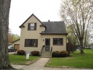 516 E Quincy St New London WI, 54961
