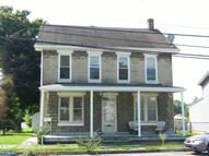 68 Main St Womelsdorf PA, 19567