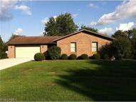 440 James St Coshocton OH, 43812