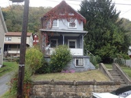 227 Woodvale Avenue Johnstown PA, 15901