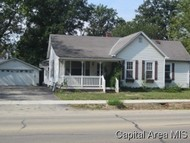 1009 N 7th St Riverton IL, 62561