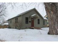 810 8th St Waupaca WI, 54981