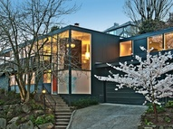 3879 51st Ave Ne Seattle WA, 98105