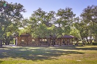 129 Diamond View Drive La Vernia TX, 78121