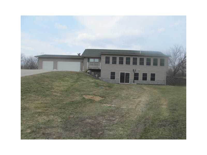 1933 Bunker Hill Rd Central City IA, 52214