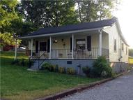 1110 Stark St Greenbrier TN, 37073