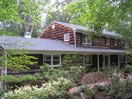 9 Woodhull Cove Ln East Setauket NY, 11733
