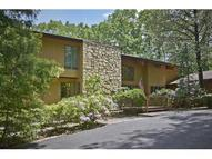 4 Rocky Heights Rd Morris Plains NJ, 07950